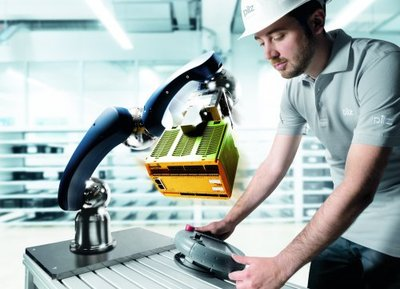 Pilz presents its products and systems for safety applications with robots